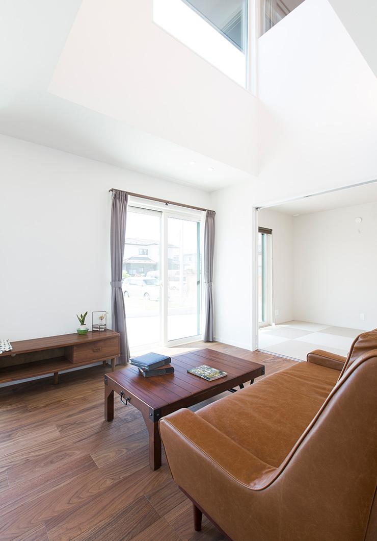 03 宮城県岩沼市吹上一丁目 3LDK (4LDKに変更可) リビング 家具 ソファ