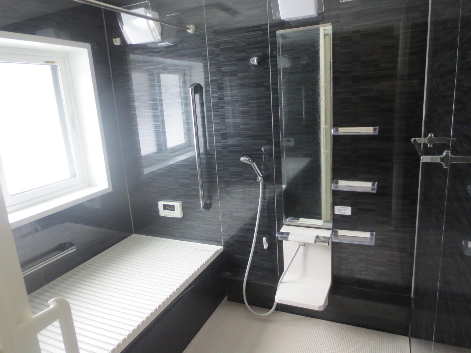 秋田県・にかほ市田抓字北野 中古物件 戸建て 浴室