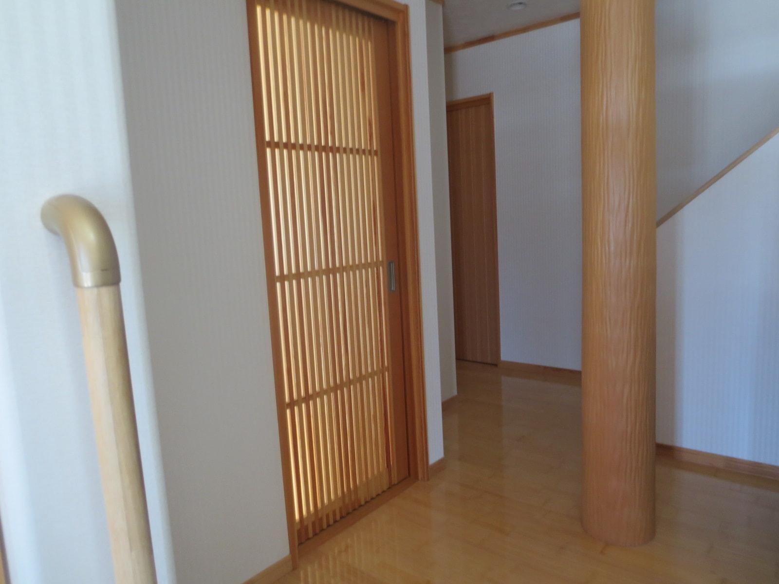 秋田県・にかほ市田抓字北野 中古物件 戸建て 玄関ホール