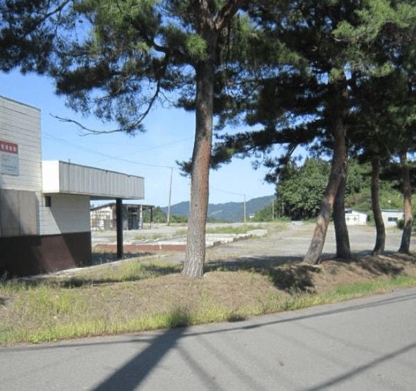 秋田県由利本荘市鳥海町 中古事務所 資材置場など H2014 現地外観写真