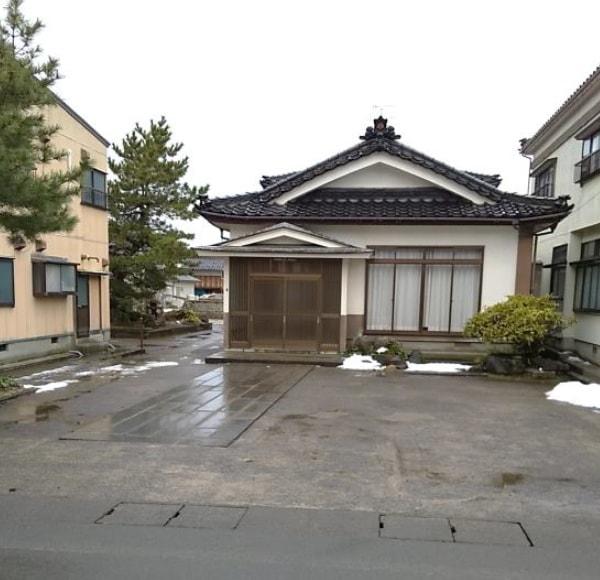 秋田県にかほ市金浦 中古住宅 戸建て 9DK H2018 現地外観写真